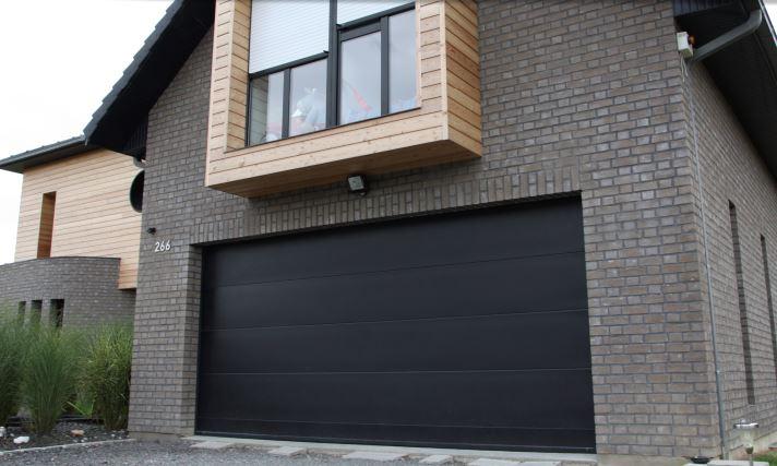 Porte de garage sectionnelle habitat Isoladoor Rigat